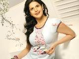 Zarine Khan pretty